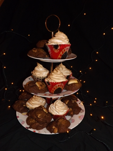 Cupcakes and Cookies on cake stand